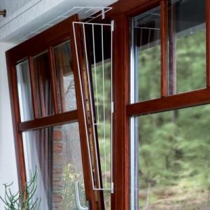 Schutzgitter für Kippfenster - Ausführung 1: Befestigung an der Fensterseite (1 Teil)