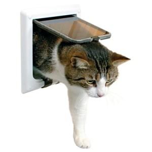 Trixie 4-Wege Freilauftür mit Tunnel - Katzenklappe weiß